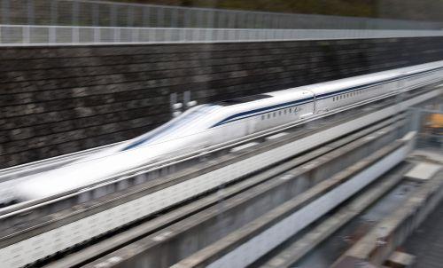 日本泰国达成协议启动泰高铁项目调查 采用新干线技术 - 中文国际 - 中国日报网