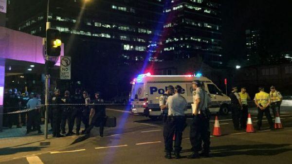 悉尼警局枪击案与恐怖主义有关 15岁枪手有中东背景