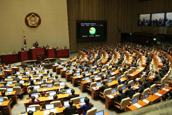 2015中国外交成就盘点⑦:中国深度参与全球经济治理 成就斐然 - 中文国际 - 中国日报网