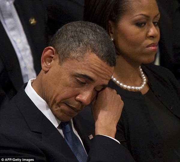 总统哭吧哭吧不是罪:奥巴马公开落泪集锦 - 中国日报网
