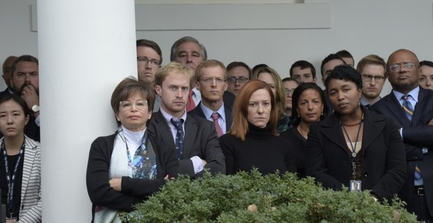 特朗普胜选后奥巴马发表演讲 白宫员工表情凝重[1]- 中国日报网