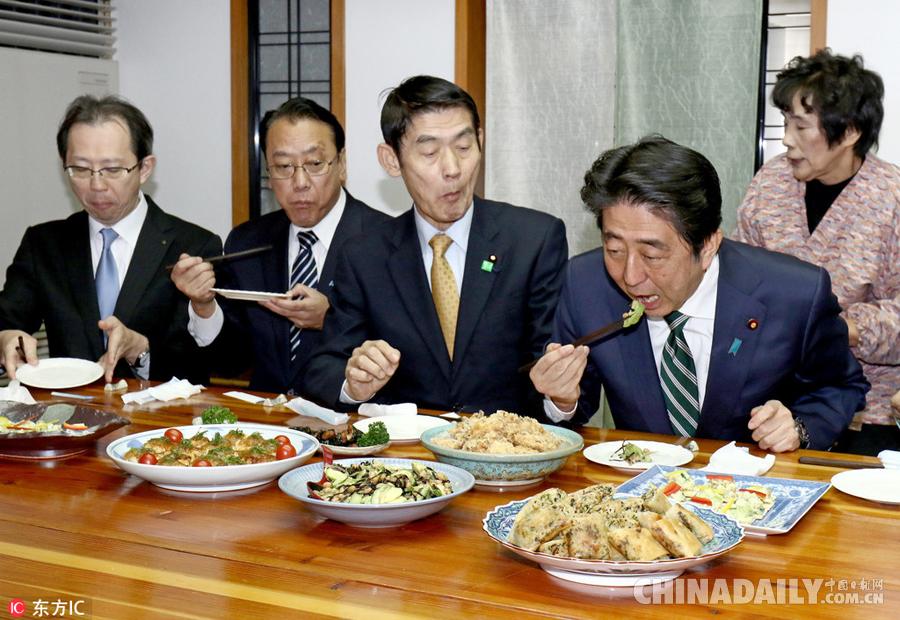 安倍视察福岛核事故灾区 亲自品尝当地食物[1]- 中国日报网