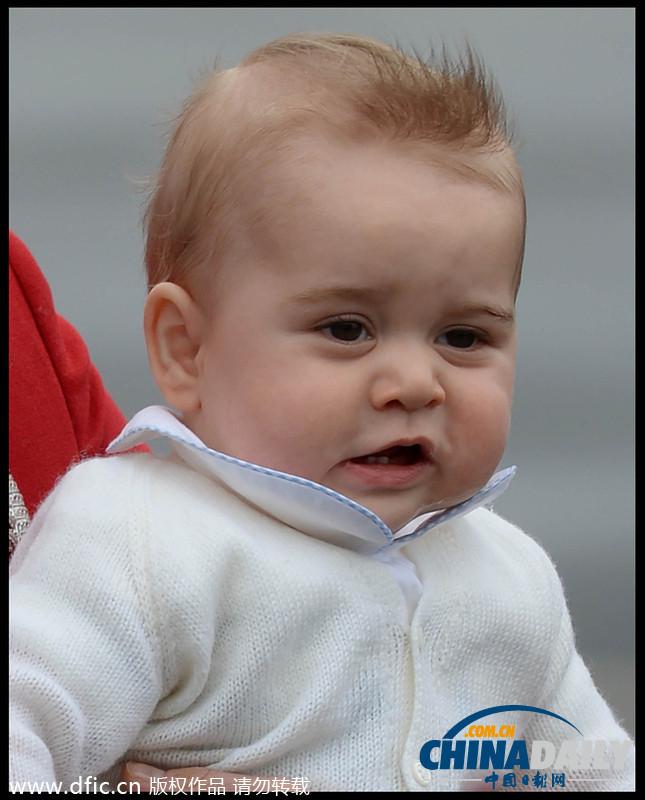 乔治小王子清晰大头照曝光 一身白衣粉嫩可爱