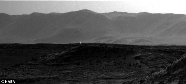 NASA解火星照片上亮点之谜 系光线造成幻觉