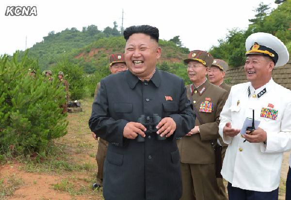 金正恩指导海陆空三军联合登岛演习 展示军事力量