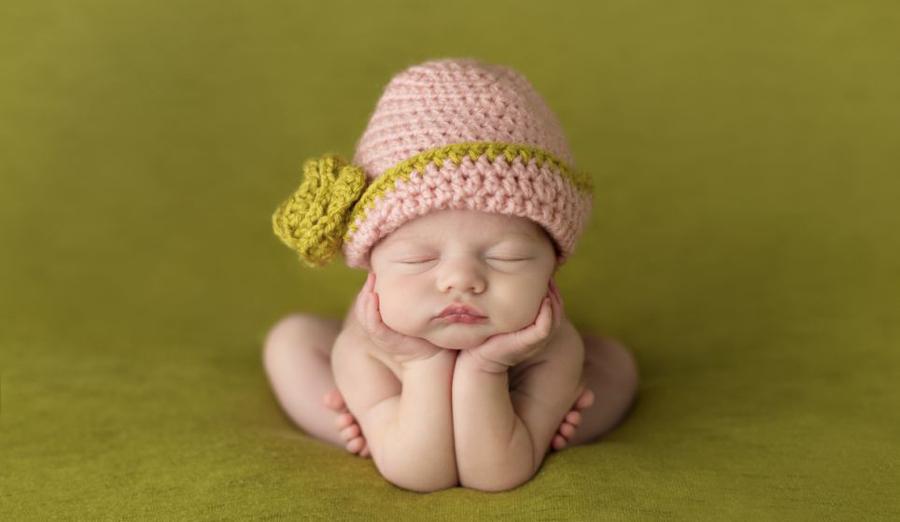 他们更容易摆出青蛙的姿势.(图片来源:《每日邮报》)-睡美人