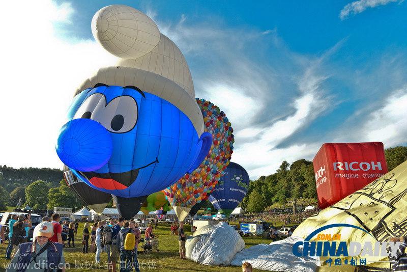 英国际热气球节开幕 奇葩造型扮靓天空吸引眼球图片