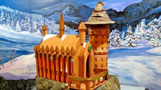 哈利波特迷用圣诞姜饼制城堡微缩景观(图)