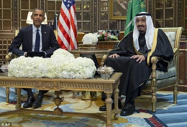间1月27日,沙特新国王萨勒曼(右)和美国总统奥巴马举行会晤.