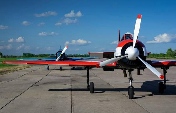 俄罗斯两架小型飞机遭劫持