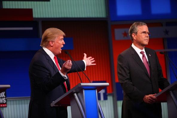 更有网友认为,特朗普正在把电视辩论变成一场真人秀.在刚刚过去的图片