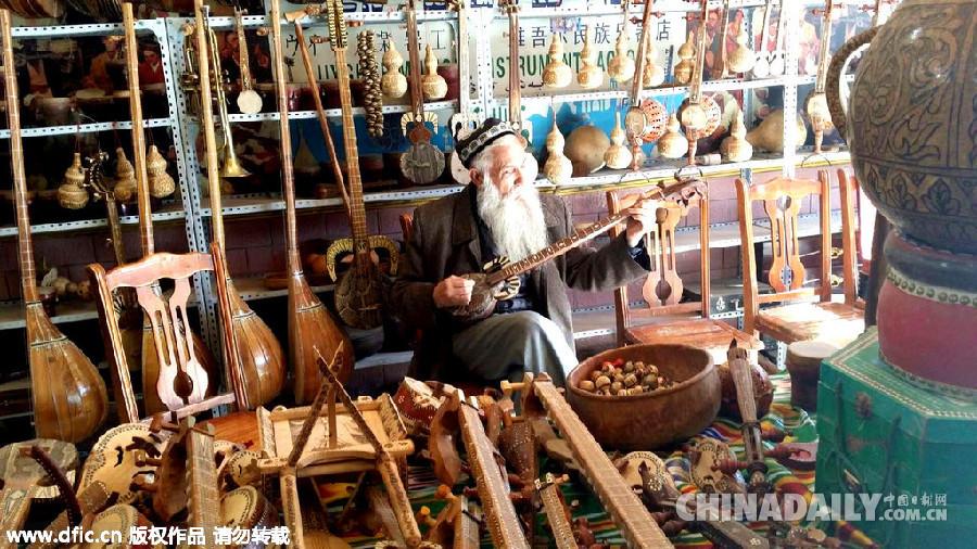 假装我是新疆人 衣食住行问不停 教你玩转新疆