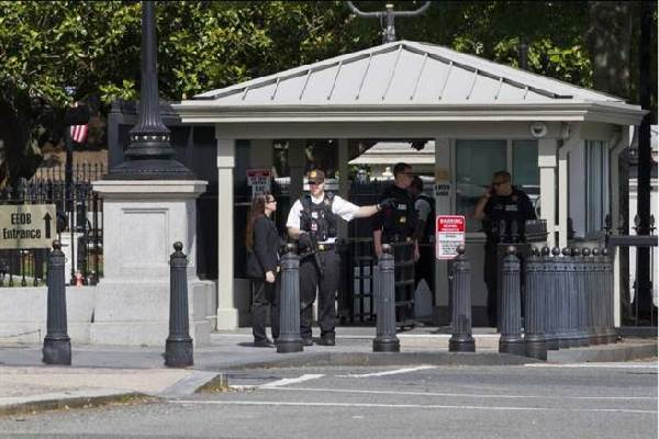 白宫惊传枪声 持枪男子中弹被逮