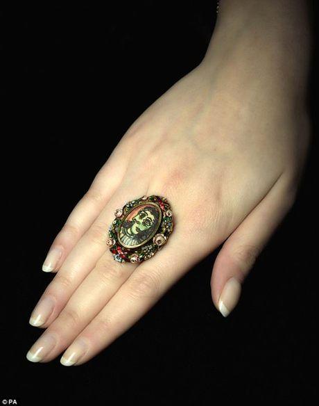 毕加索为情人亲制的戒指将拍卖 成交价或达50万英镑