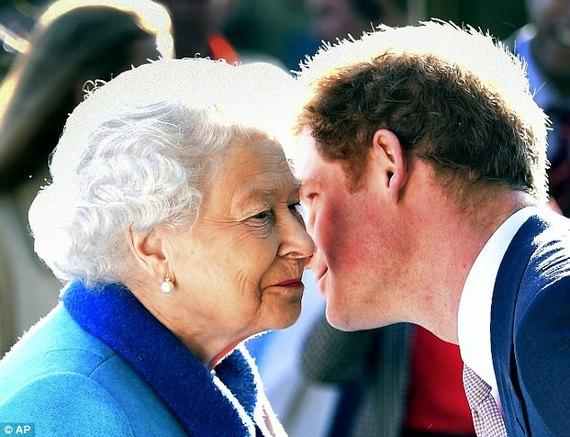 """英国哈里王子自曝1度想要""""脱离""""王室 过普通人的生活"""