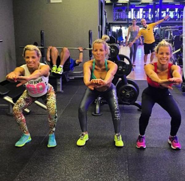 难以分辨!3胞胎姐妹花包揽巴西全国健美比赛3甲