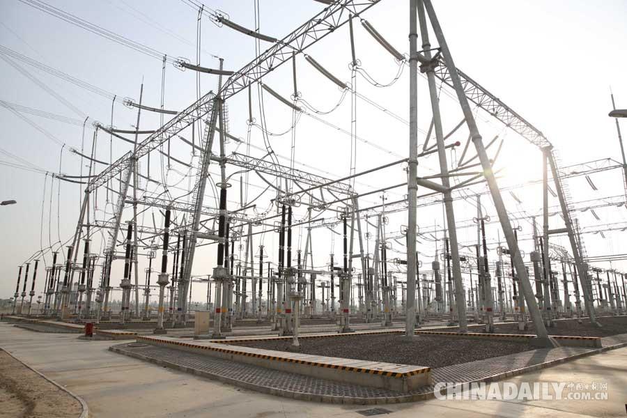 中巴经济走廊首个重大能源项目竣工投产