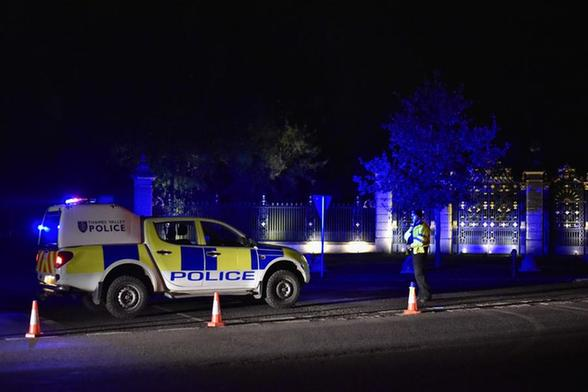 英国发生小型飞机与直升机相撞事故造成4人死亡